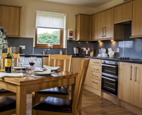 Comprehensive kitchen facilities for self catering